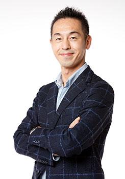 曽山 哲人氏