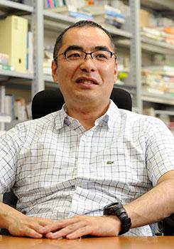 鈴木 竜太氏