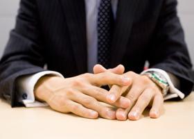 配転命令権の欠如(人事異動に応じず、従来の職場に出勤する社員への対応)