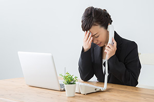 悪質クレームに対応する 従業員ケアの必要性と対策