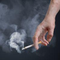 今春から改正健康増進法が全面施行!<br /> 企業がどこまでできる!?仕事中・私生活上の喫煙制限