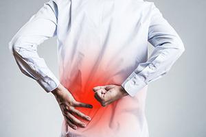 在宅勤務で腰痛が悪化