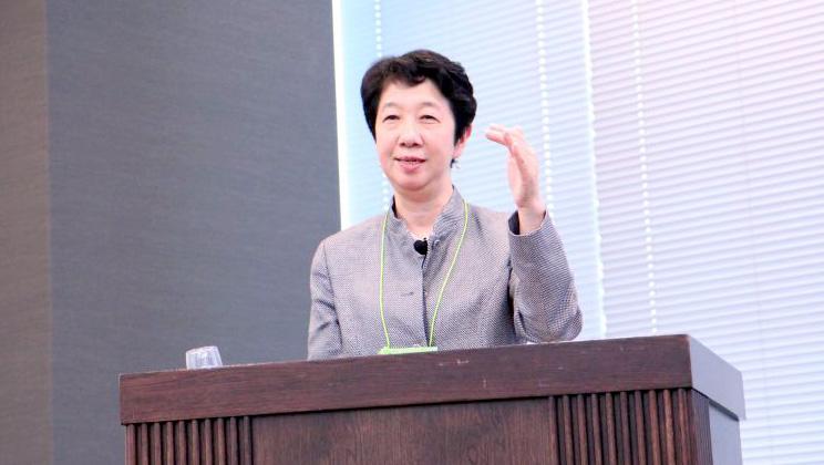日本マイクロソフト株式会社執行役 人事本部長 佐藤千佳氏 スピーチの様子