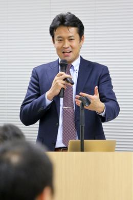 法政大学 キャリアデザイン学部 教授 田中研之輔氏 photo