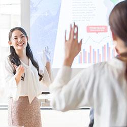 注目される経営人材教育。実施している企業の過半数が教育の成果を実感