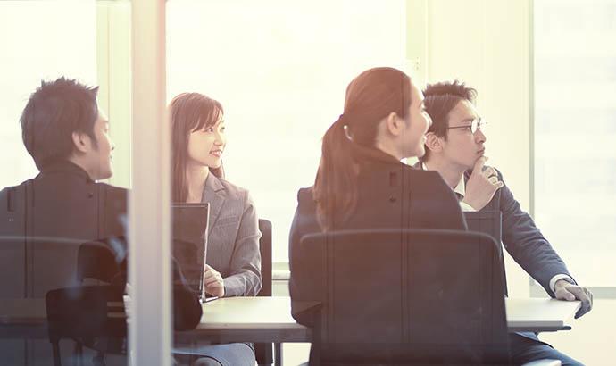 6割以上の企業が中間管理職を対象とした教育を実施 そのうち約2割の企業が成果をあげていない