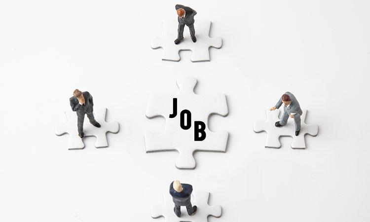 「ジョブ型雇用」の必要性について意見が二分。 「仕事に人を付ける」「成果で評価する」と定義