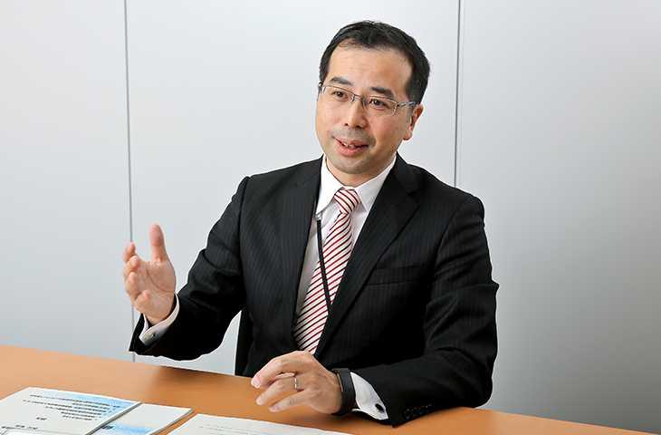 経済産業省 ヘルスケア産業課長 西川 和見さん