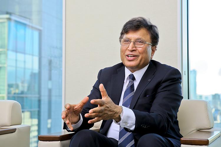 ロート製薬株式会社 取締役副社長 ジュネジャ・レカ・ラジュ氏