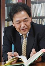 西久保 浩二さん  社団法人 企業福祉・共済総合研究所 理事(調査研究担当)