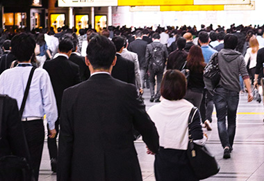 労働力不足を乗り越え、人材の活性化を実現 「ミドル・シニアの躍進」を実現するために人事が行うべきこととは