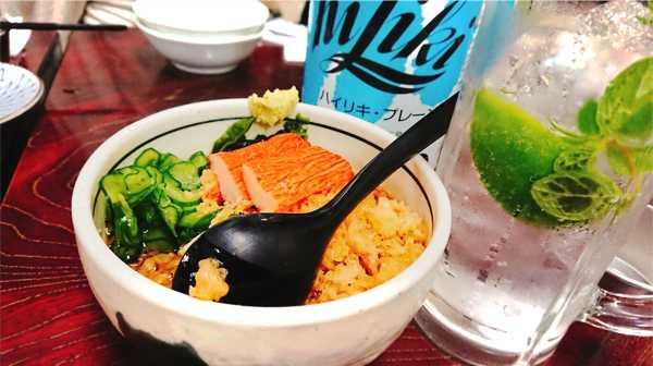 名物「ジャン酎モヒート」と「たぬき豆腐」。今すぐ行きたくなる魅力