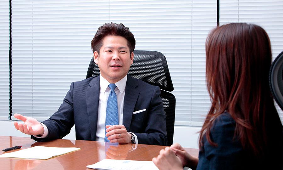 対談風景:株式会社スタッフサービス 平井真さん、日本大学総合科学研究所 安藤至大さん