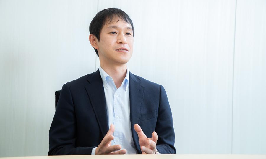 インタビューの様子 後藤 謙治さん(サントリー食品インターナショナル株式会社)