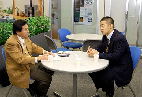 新日軽株式会社 人事部 採用・教育担当課長 大島章嗣さん、ジャーナリスト・溝上憲文