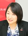 東由紀さん