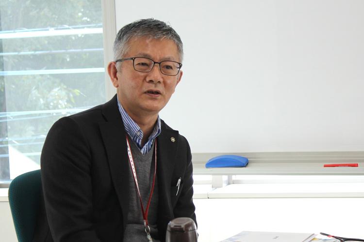 八代茂裕さん(株式会社湖池屋 経営管理本部人事部 部長)インタビュー風景