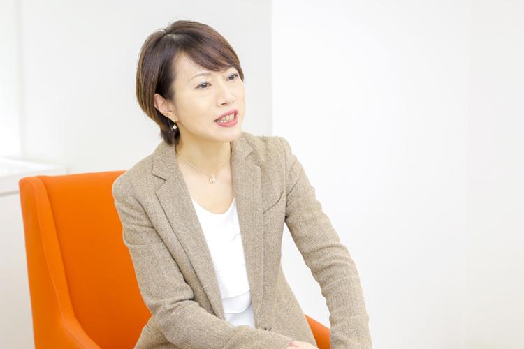 味方恵子さん(株式会社ジュピターテレコム 人事本部 人財開発部長) インタビューの様子