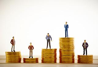 紙・Excelから脱却! おすすめ勤怠管理システムと選び方 業務効率化と労務管理リスクに対応するために