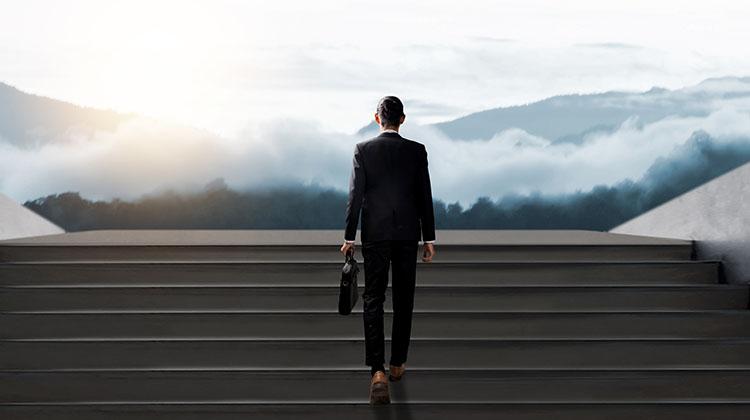 キャリア開発とは何か ~「キャリア自律」が求められる背景と直近のトレンド