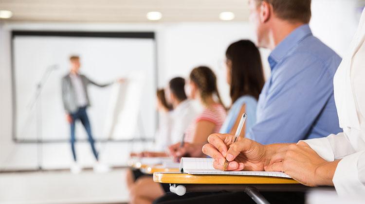 企業が「自律的キャリア開発」を推進するメリットとは