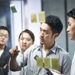 管理職に求められる「役割」と「育成の方向」