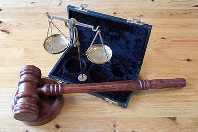 コンプライアンスの実務(4)法律対応