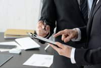 【事例紹介(2)】ベテラン社員の活性化を通じた職場風土改革(大手メーカー B 社)