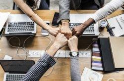"""【参加特典有/インタラクティブなQ&A】管理職起点で創る""""成果に繋がる""""心理的安全性 ―中堅・中小企業の管理職育成に、今、必要とされる3つの要素―"""